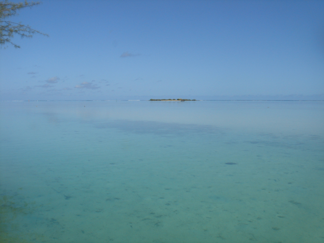 The district TIAHURA where Hotel FENUA MATA'I'OA is located is regarded as the most beautiful site of the island